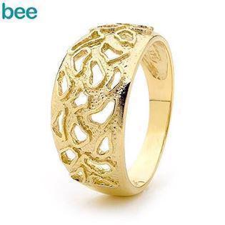 9 ct gold ring with animal pattern